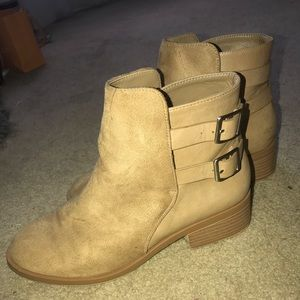 Light brown booties